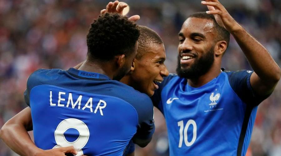 Thomas Lemar blow for Liverpool and Arsenal with forward wanting Barcelona switch