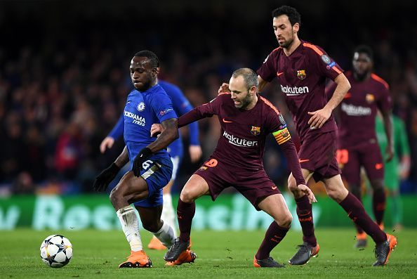 Lionel Messi's late goal ends drought, ties Chelsea