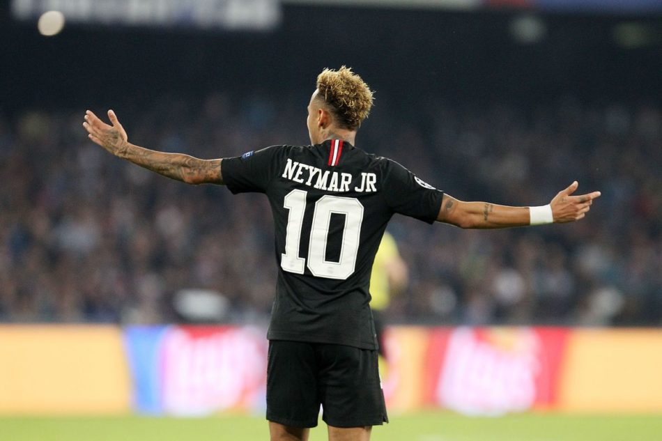 Man City duo push Neymar to talk up Premier League move