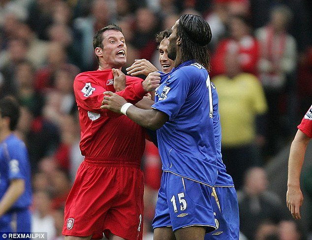 0342FE660000044D-2923865-Carragher_and_Didier_Drogba_exchange_views_during_a_Premier_Leag-a-9_1422044710177