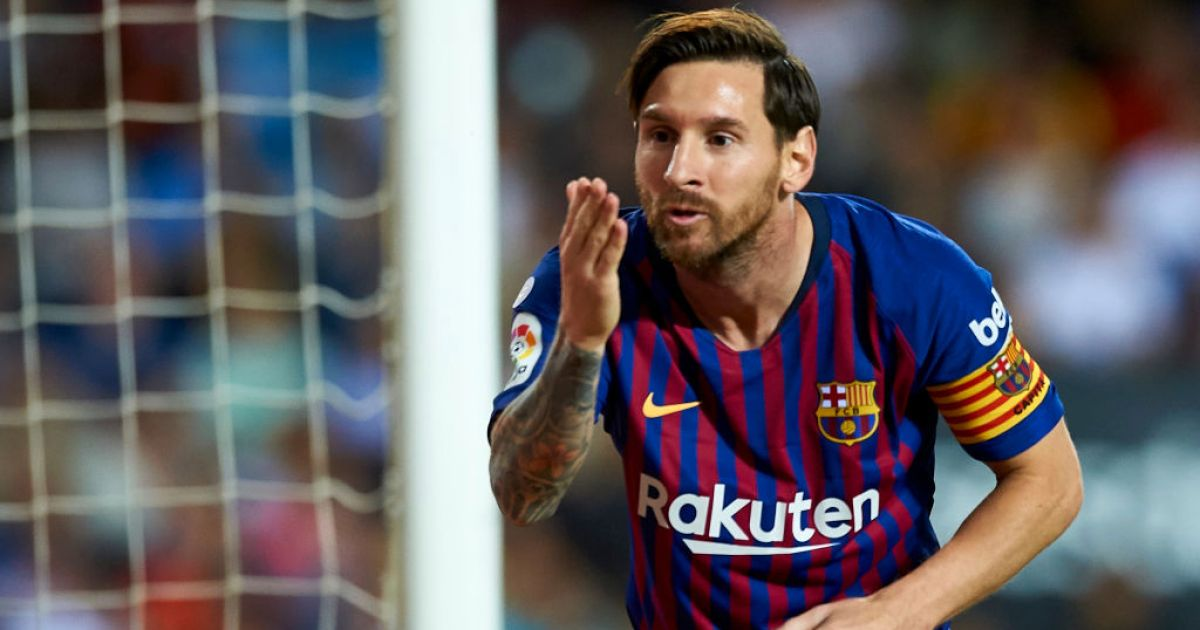 Messi equals Xavi's record to become the player with most wins for club