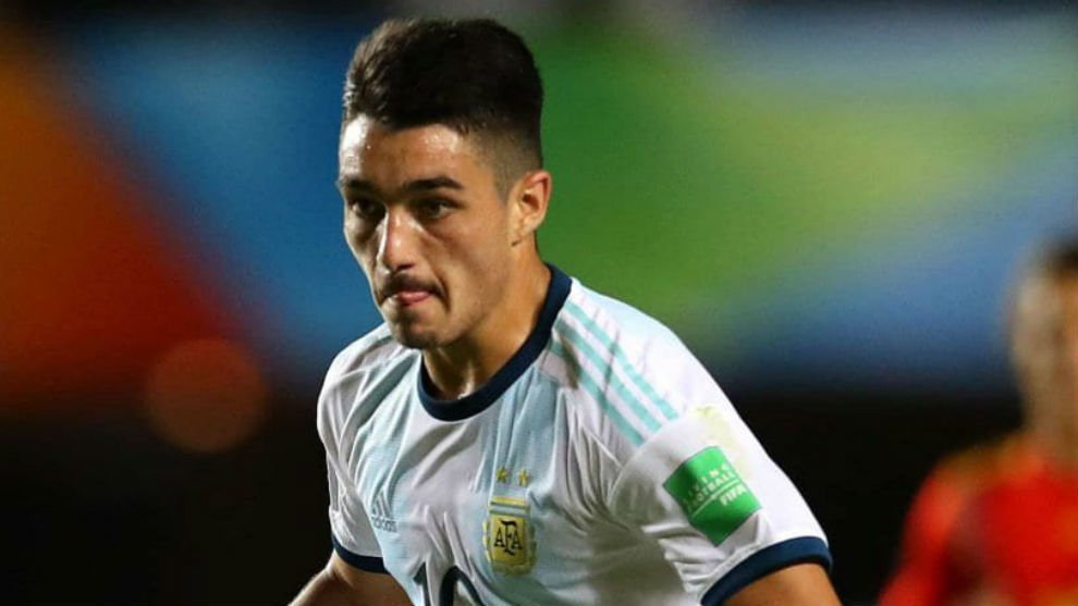 Real Madrid to battle Barcelona in race to sign Argentine teen sensation