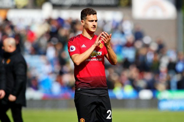 Diogo Dalot told he can leave