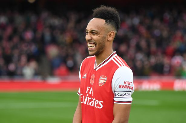 Inter will try to lure Arsenal's Aubameyang by offering Icardi in a swap deal.
