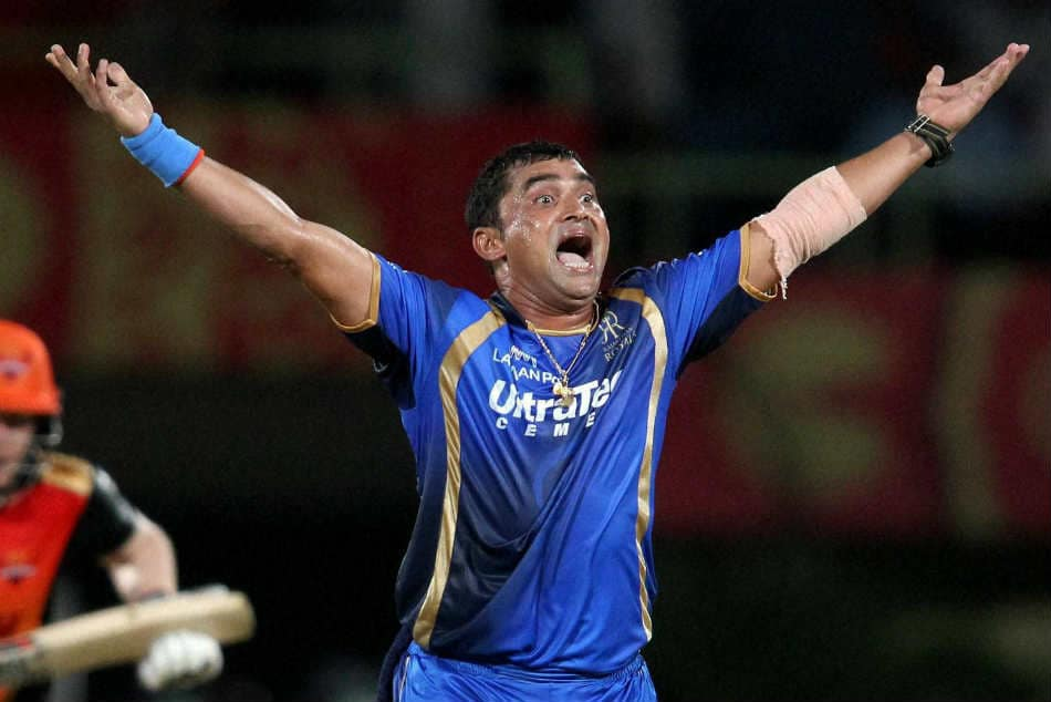48-year-old Pravin Tambe bowls a spectacular maiden over and keeps dangerous Chris Lynn in check, in CPL match.
