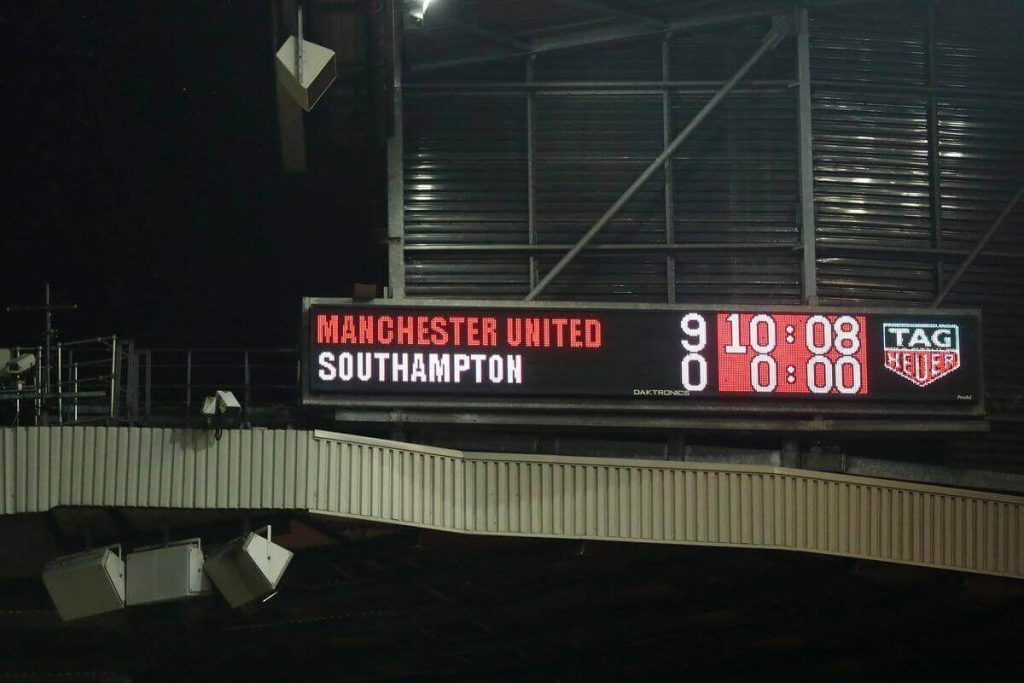 Manchester United winning 9-0 against the Saints