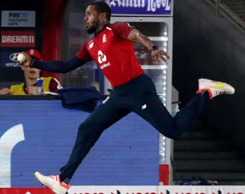 Video: Jordan and Roy combine together to take a mind-boggling catch to dismiss Suryakumar