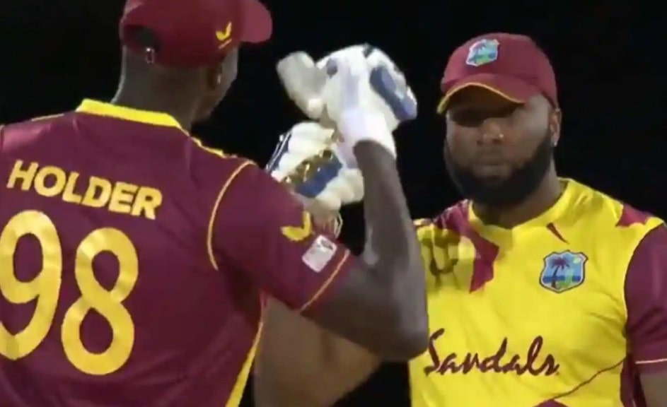 Video: Pollard smashes 6 sixes in an over off Dananjaya bowling