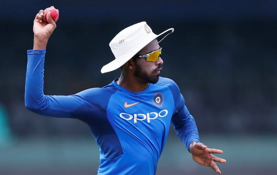 Video: Hardik Pandya pulls off a one-handed screamer in the training session