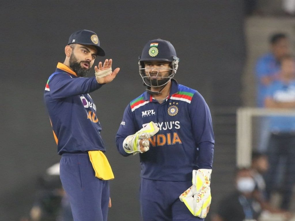 Twitteratis bash Virat for conceding an extra run in the second T20.